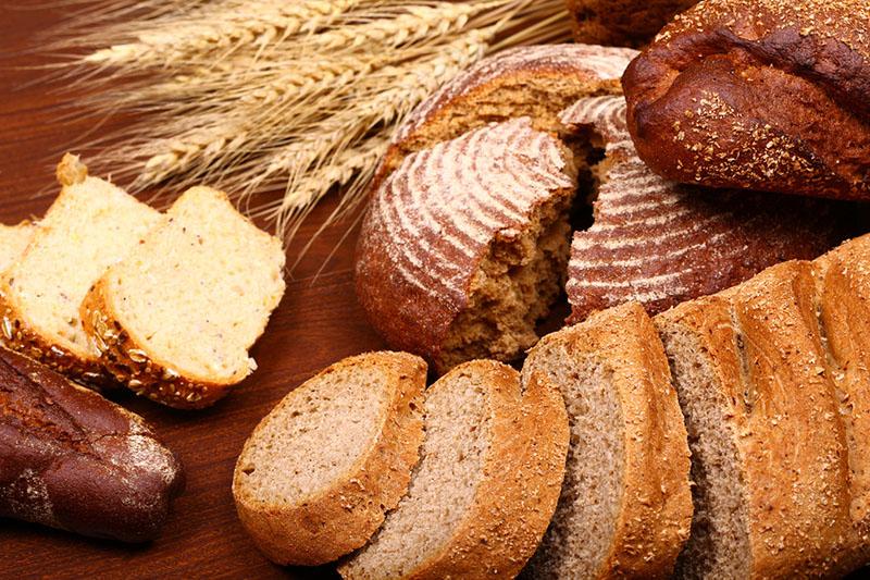 В Івано-Франківську зменшено випуск хліба та хлібобулочних виробів